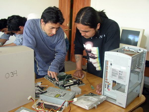 FEDES Chile computer
