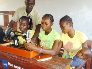 CONGOTailoring classes single teenagemothers