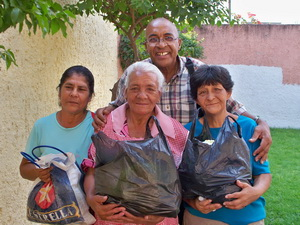 GUADALAJARA Refugio food distribution