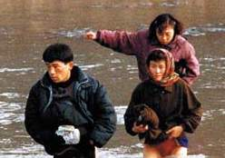 North Korea refugees crossing river